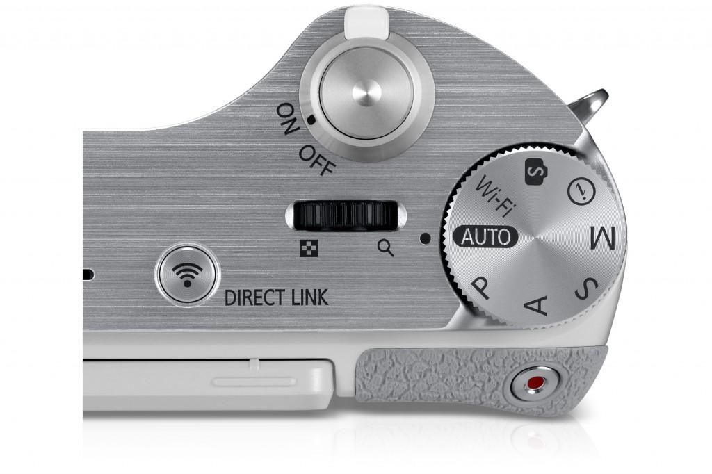 uk_EV-NX300ZBATGB_545_Dynamic3_white