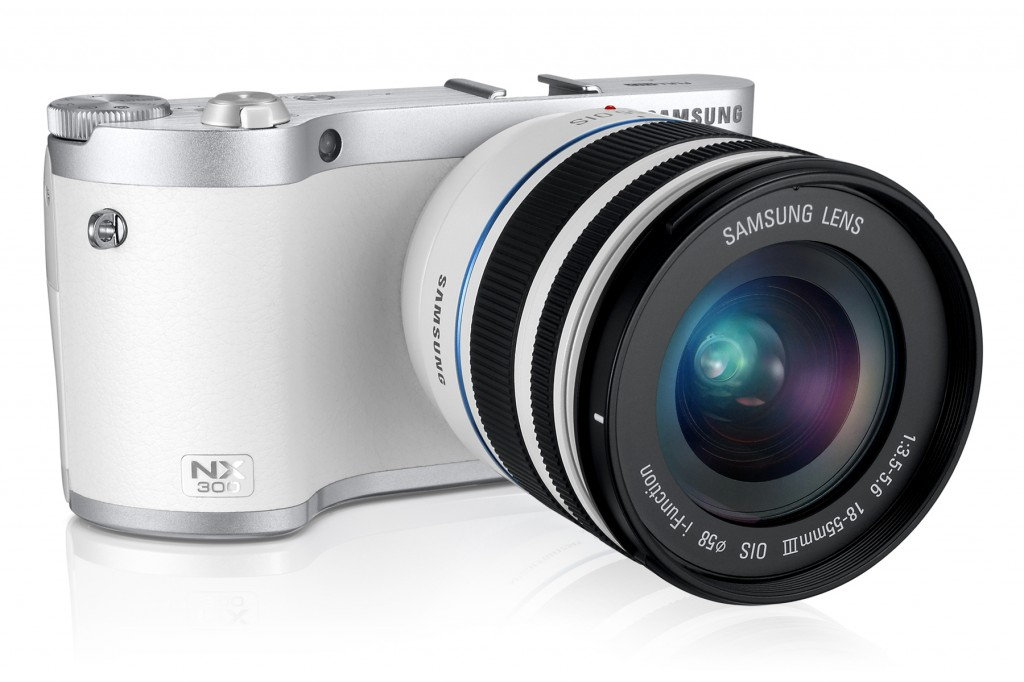uk_EV-NX300ZBATGB_556_Dynamic14_white