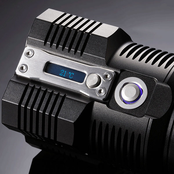 f3b7_nitecore_tm26_tiny_monster_flashlight_display
