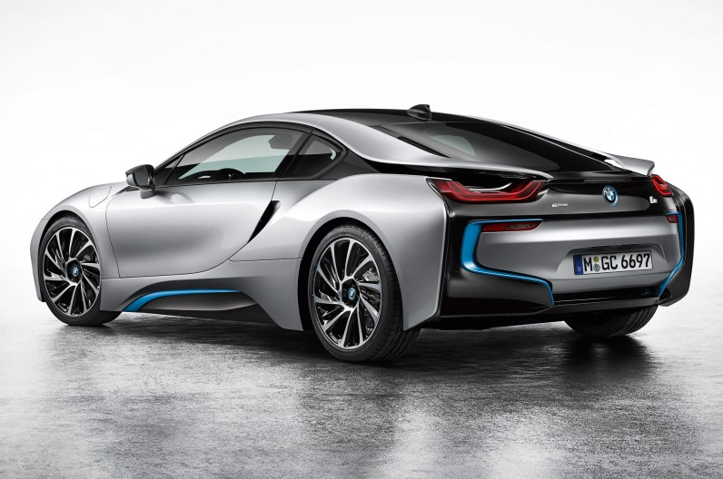 BMW-i8-Coupe-left-rear-1-796x528