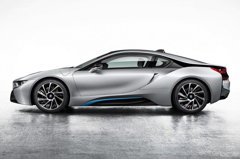 BMW-i8-Coupe-left-side-1-796x528