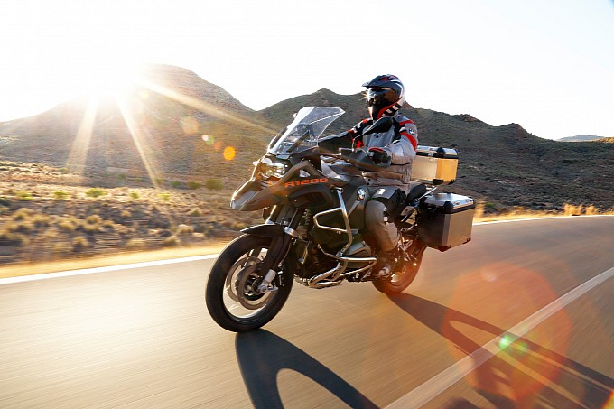 100-pictures-of-the-2014-bmw-r1200gs-adventure-photo-gallery-medium_76