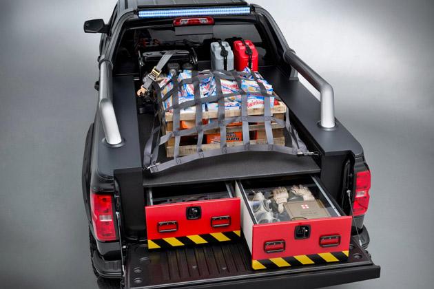 2014-Chevrolet-Silverado-Black-Ops-Concept-3