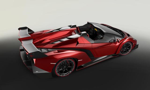 Lamborghini-veneno-roadster-rear