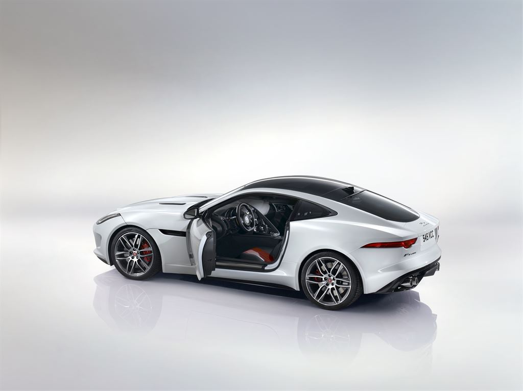 Jag_F-TYPE_R_Coup__Polaris_Image_201113_20_LowRes