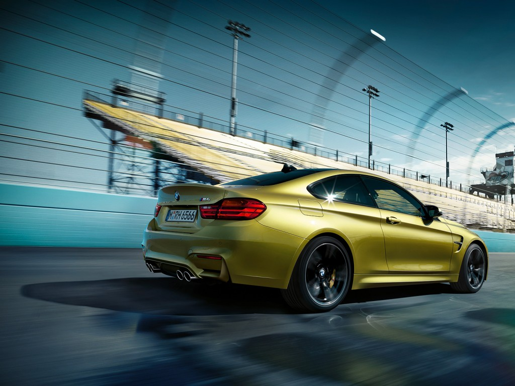 BMW_M4_Coupe_02_1600x1200