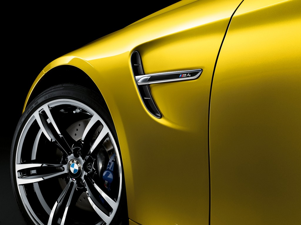 BMW_M4_Coupe_09_1600x1200