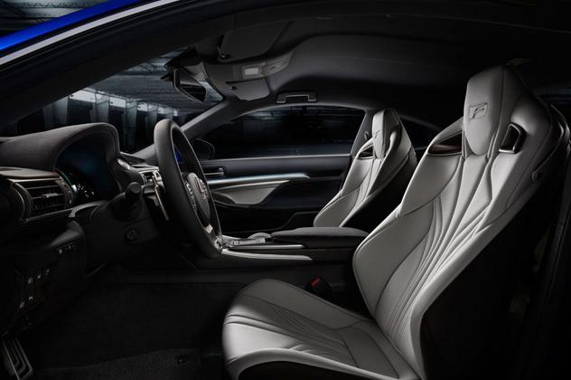 2015-Lexus-RC-F-inside