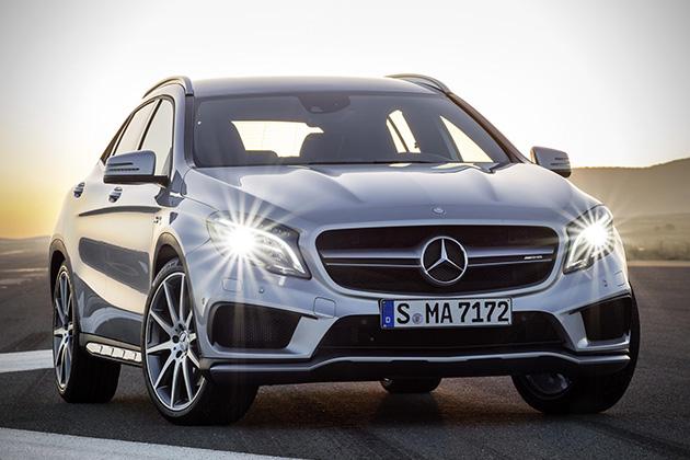 2015-Mercedes-Benz-GLA45-AMG-2
