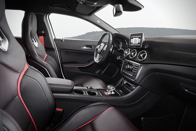 2015-Mercedes-Benz-GLA45-AMG-5