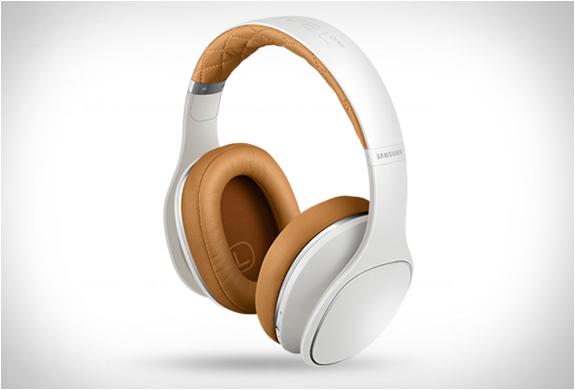 samsung-level-over-headphones-2